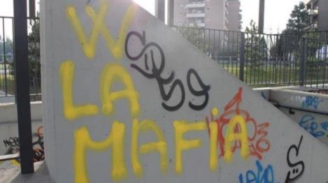 1094558-scritte_mafia